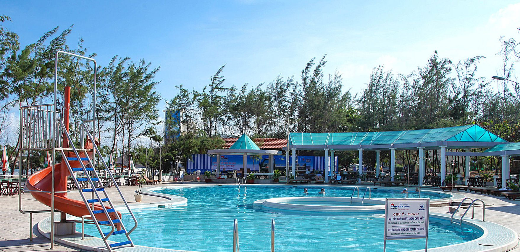 Dolphin\'s Swimming Pool