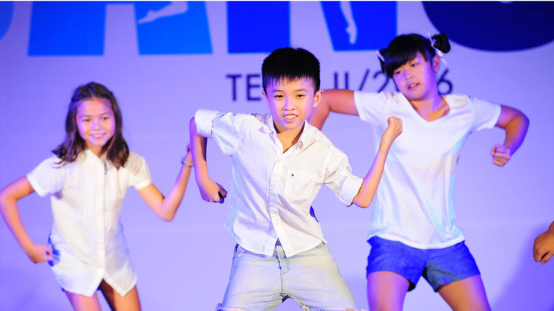 Happy boy dancing SOUL Music ho chi minh