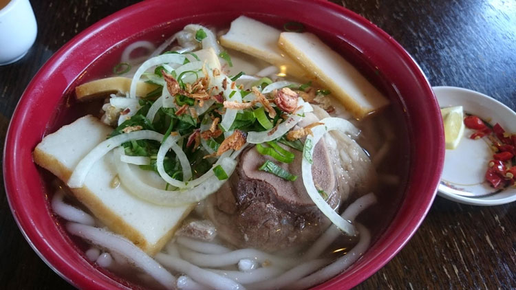 banh canh top 10 food street hcmc