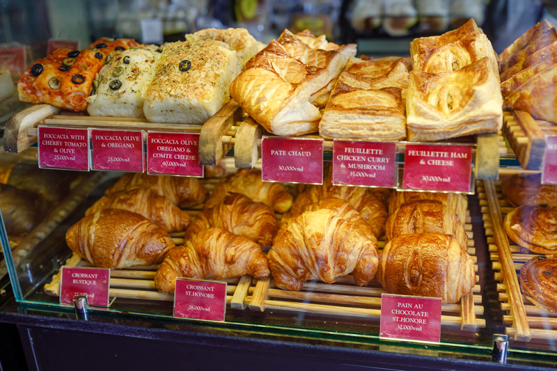 bakeries in saigon
