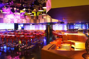 Catwalk Club, Karaoke and Casino