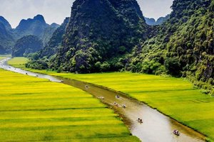 A Journey through Vietnam's Otherworldly Sights in Ninh Binh Province