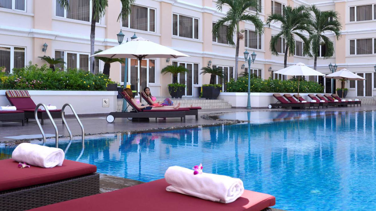 The best pool in ho chi minh city for Nicest swimming pools
