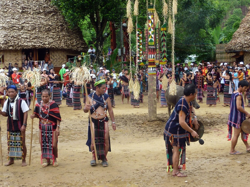 Bho Hoong people in their festival