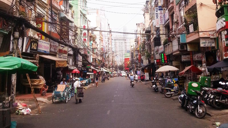Pham Ngu Lao area in the morning