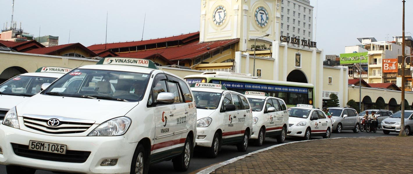 Competition Drives Tensions Between Local Taxis and Grab, Uber