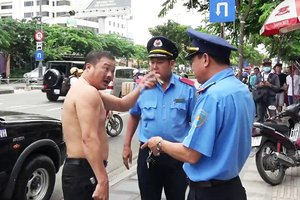 Notorious Cabbie Finally Gets Caught With His Pants Down