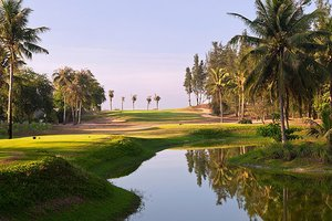 Vietnam's First 100% Foreign Investment Golf Course to Be Closed Down